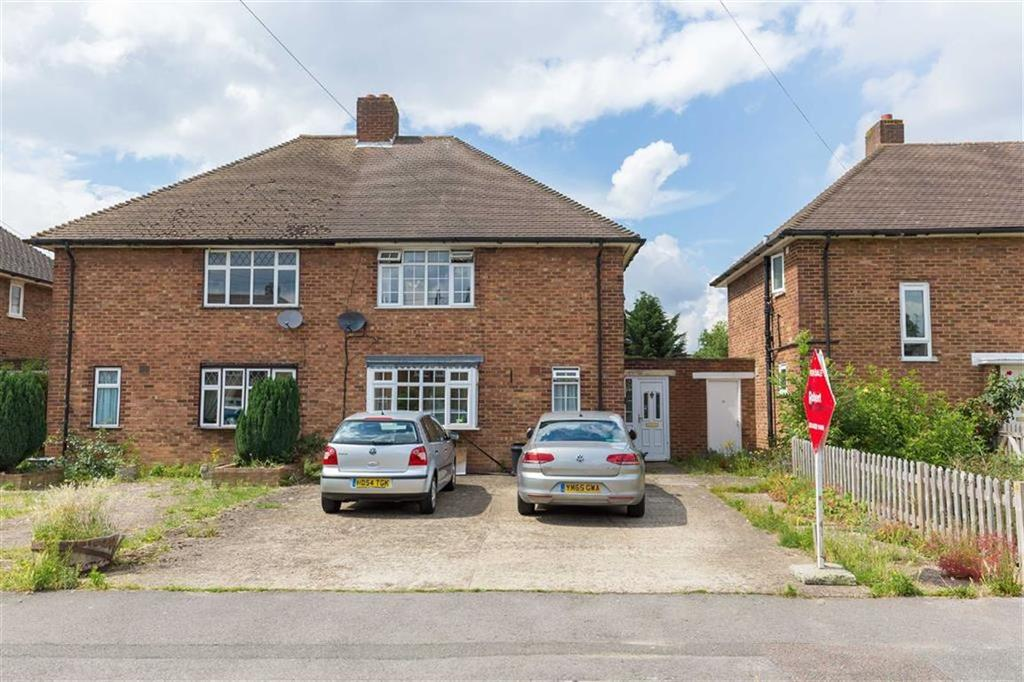 3 Bedrooms Semi Detached House for sale in Downbarns Road, Ruislip, Middlesex