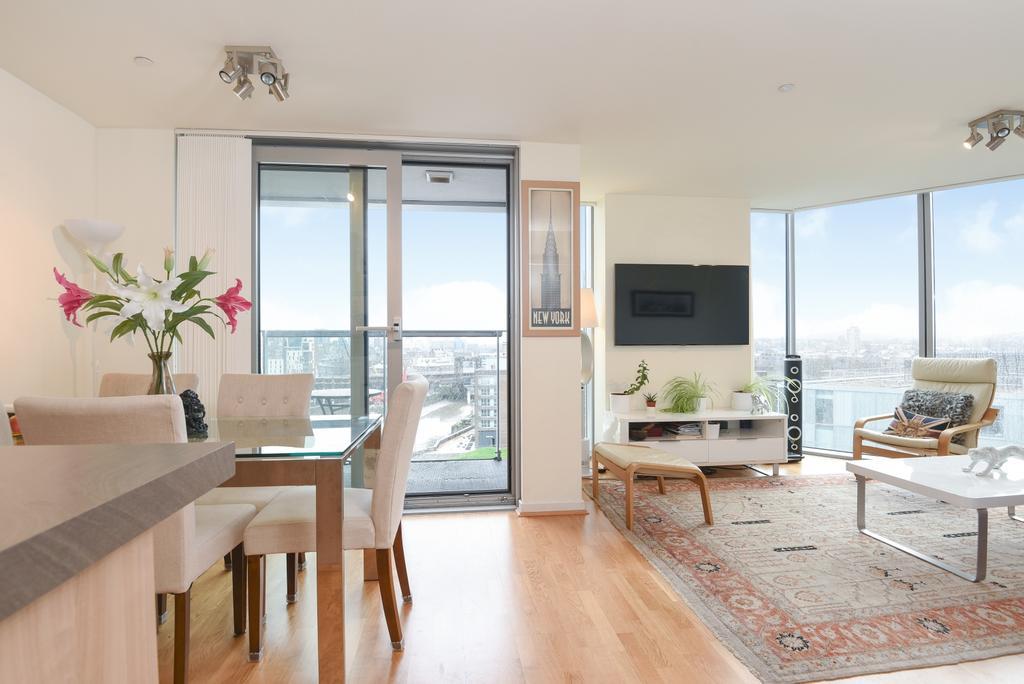 2 Bedrooms Flat for sale in Dancers Way Deptford SE8
