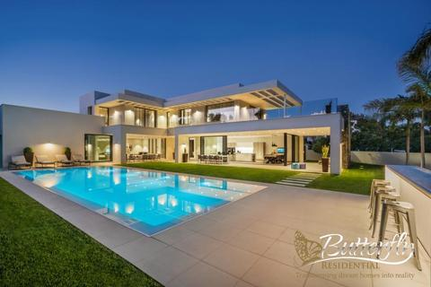 6 bedroom detached house  - Puerto Banus, Andalucia, Spain