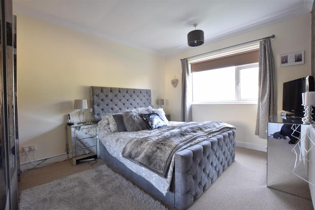 2 Bedrooms Flat for sale in West Hill Road, St. Leonards-On-Sea