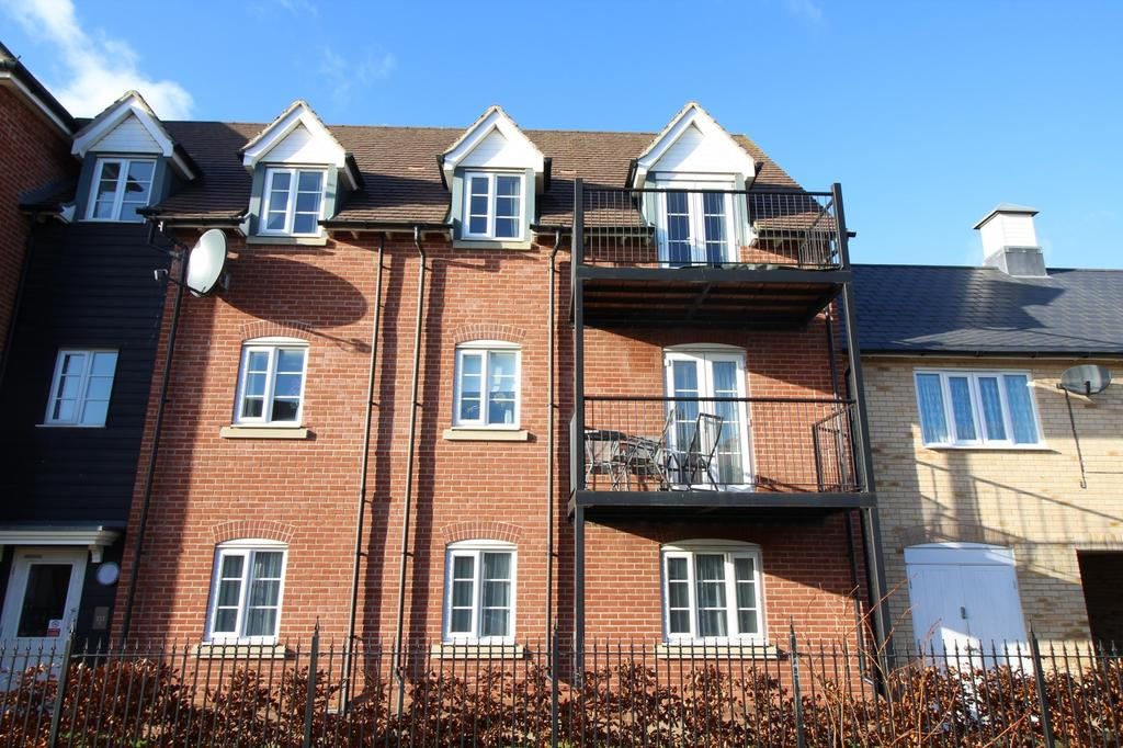2 Bedrooms Apartment Flat for sale in Hooper Avenue, Colchester, Essex, CO2