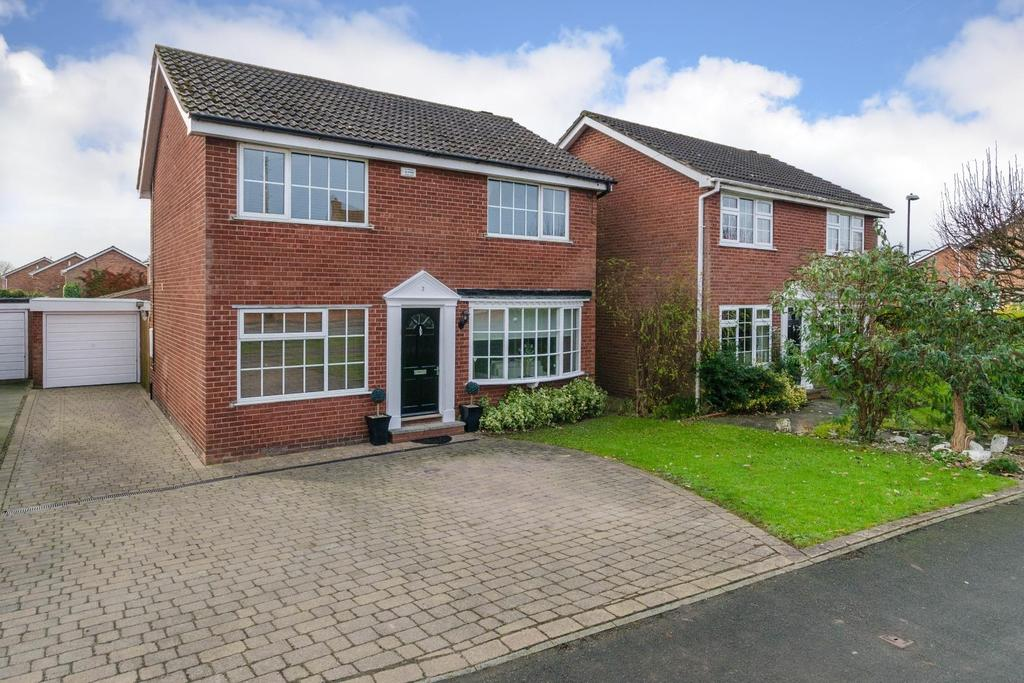 4 Bedrooms Detached House for sale in Stillington Road, Easingwold, York