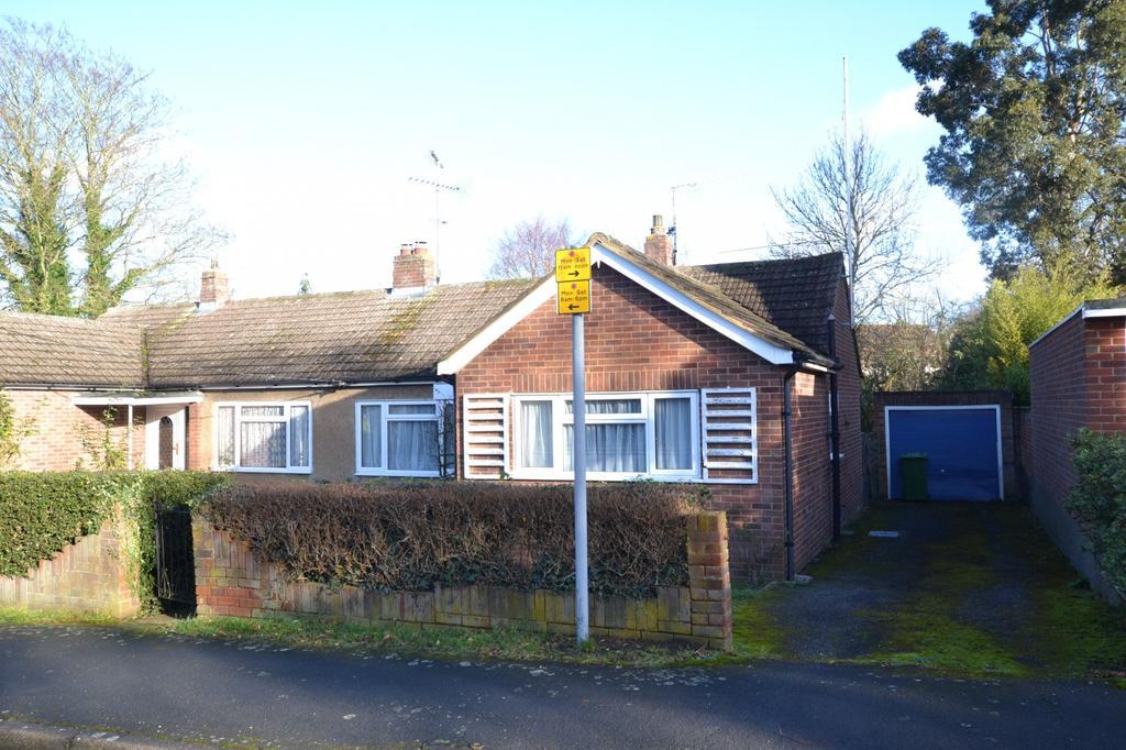 2 Bedrooms Semi Detached Bungalow for sale in Beaufort Road, Billericay, Essex, CM12