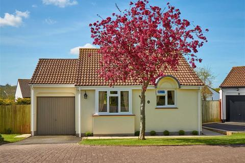 2 bedroom bungalow for sale - Dewberry Drive, Roundswell, Barnstaple, Devon, EX31
