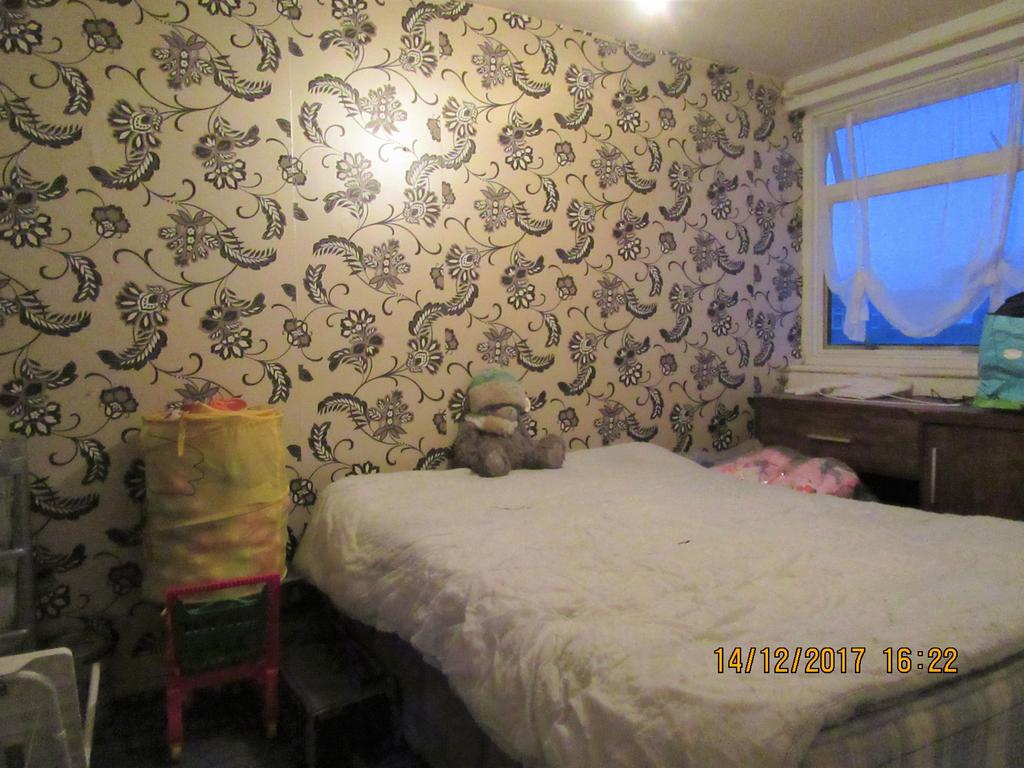 3 Bedrooms Terraced House for rent in Willowherb Walk, Romford RM3