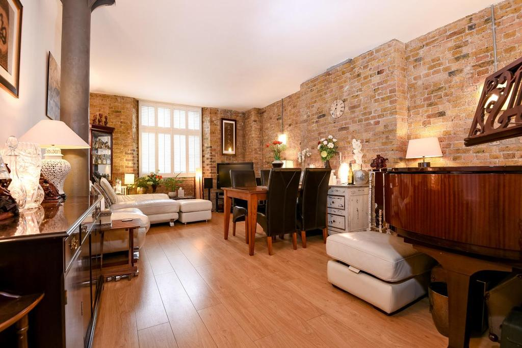 2 Bedrooms Flat for sale in Rotherhithe Street, Rotherhithe