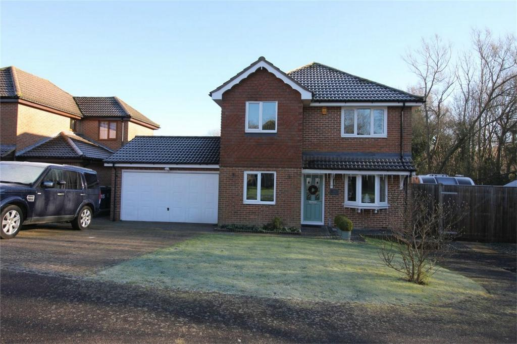 4 Bedrooms Detached House for sale in 16 Knights Meadow, BATTLE, East Sussex