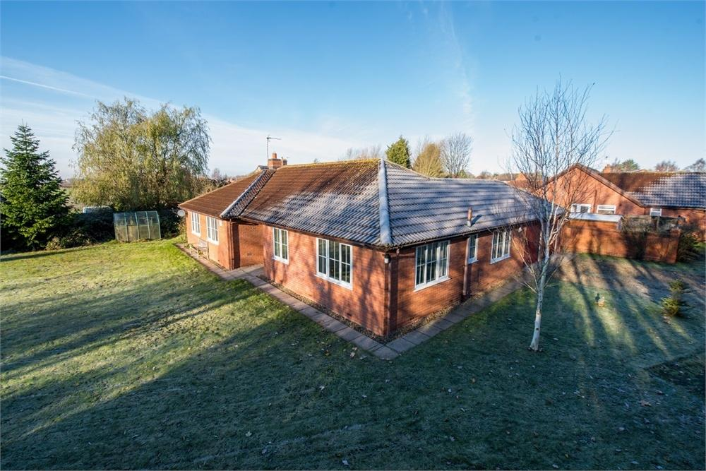 3 Bedrooms Detached Bungalow for sale in Thorne Way, Kirton, Boston, Lincolnshire
