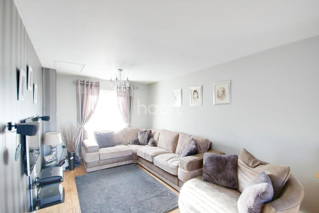 4 Bedrooms Semi Detached House for sale in Hollywood Lane, Wainscott, ME3