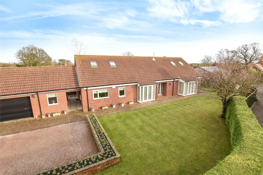 4 Bedrooms Detached Bungalow for sale in Ludborough Road, North Thoresby, DN36