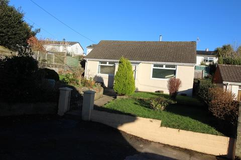 2 bedroom bungalow for sale - Beach Hill, Milford Haven, Pembrokeshire. SA73 2QN