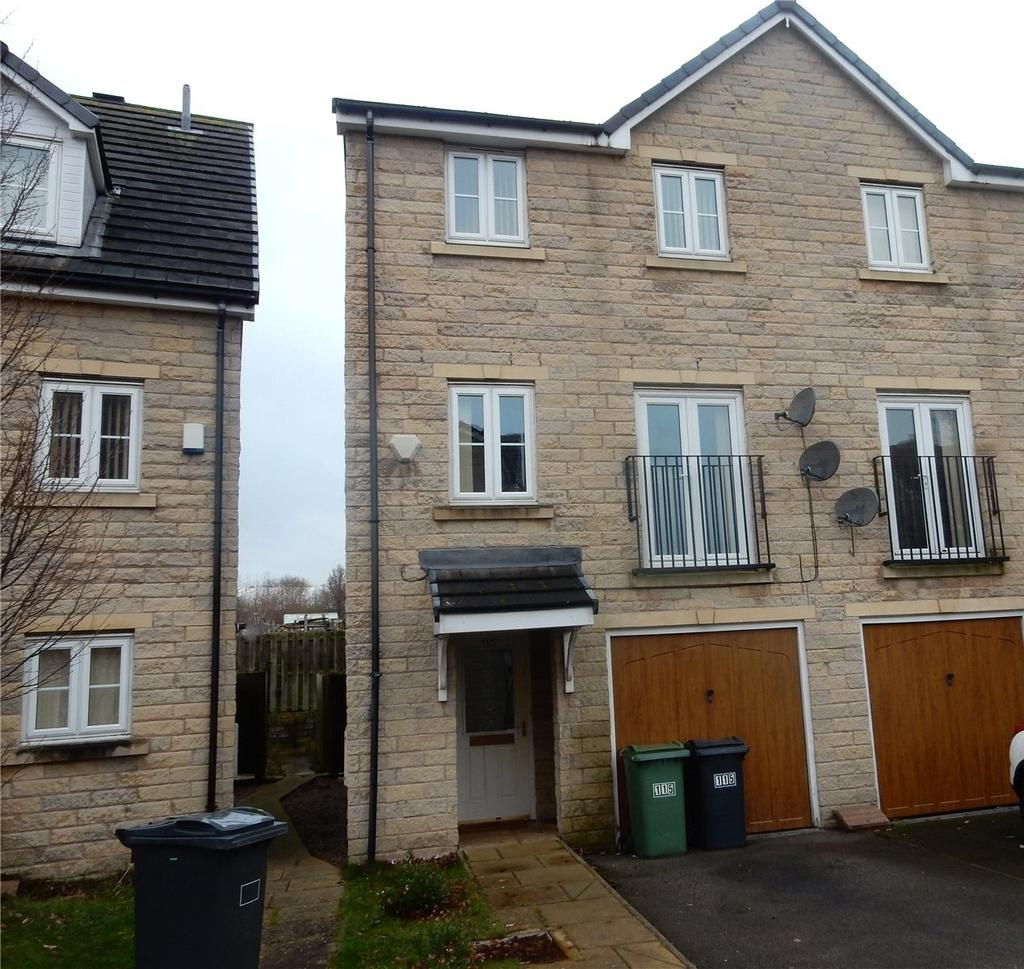 3 Bedrooms Town House for sale in Clare Hill View, Huddersfield, HD1