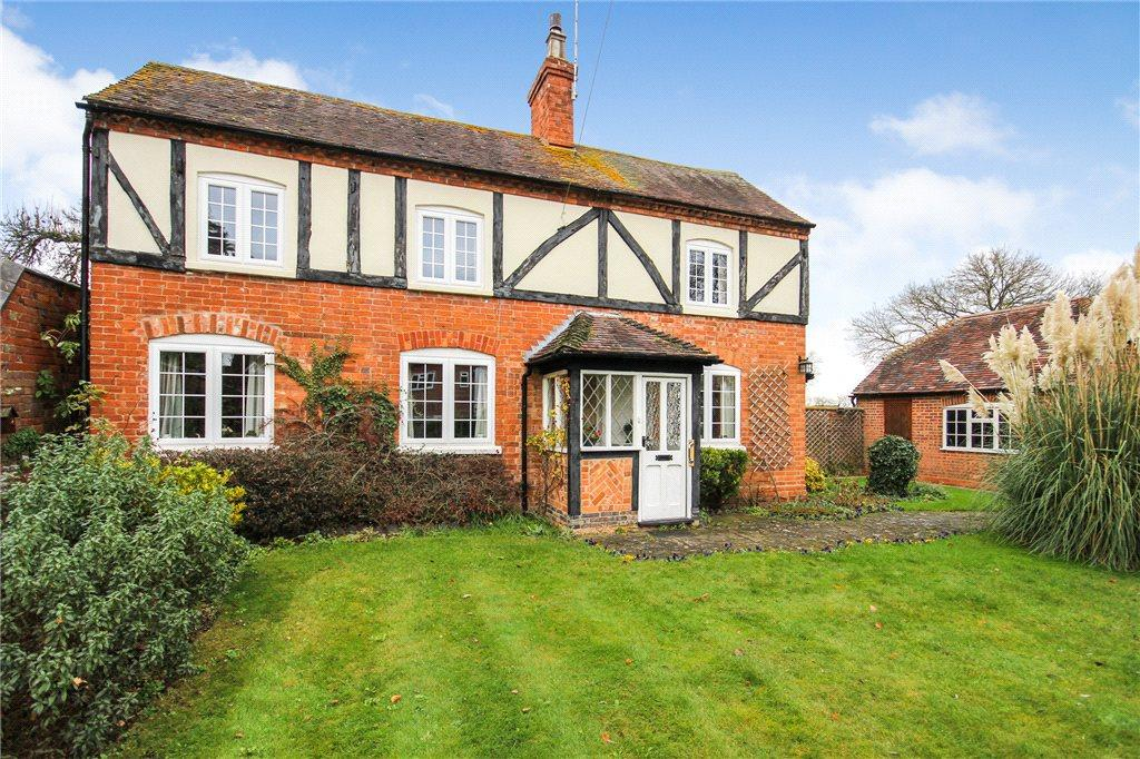 4 Bedrooms Detached House for sale in Main Street, Church Lench, Evesham, Worcestershire, WR11