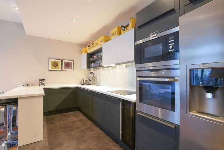 2 Bedrooms Flat for rent in Highgate Road London NW5
