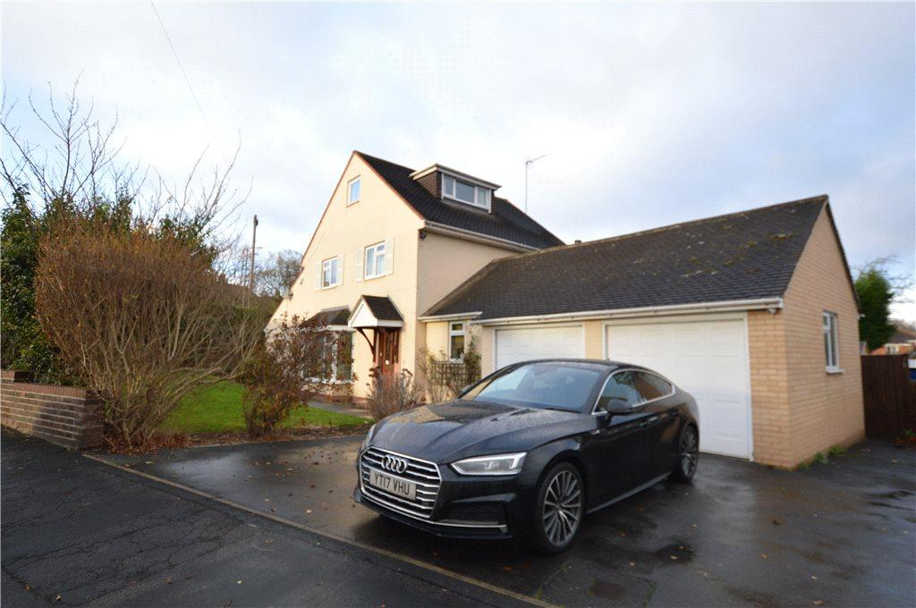 3 Bedrooms Detached House for sale in Sandal Hall Close, Wakefield, West Yorkshire