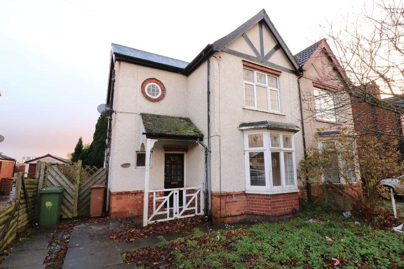 3 Bedrooms Semi Detached House for sale in Long Road, Scunthorpe