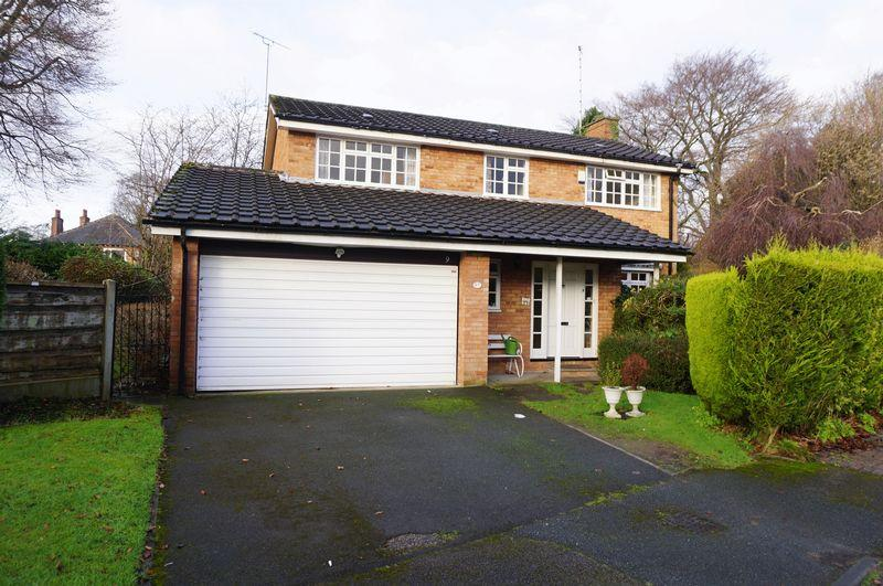 4 Bedrooms House for sale in Foxbench Close, Bramhall