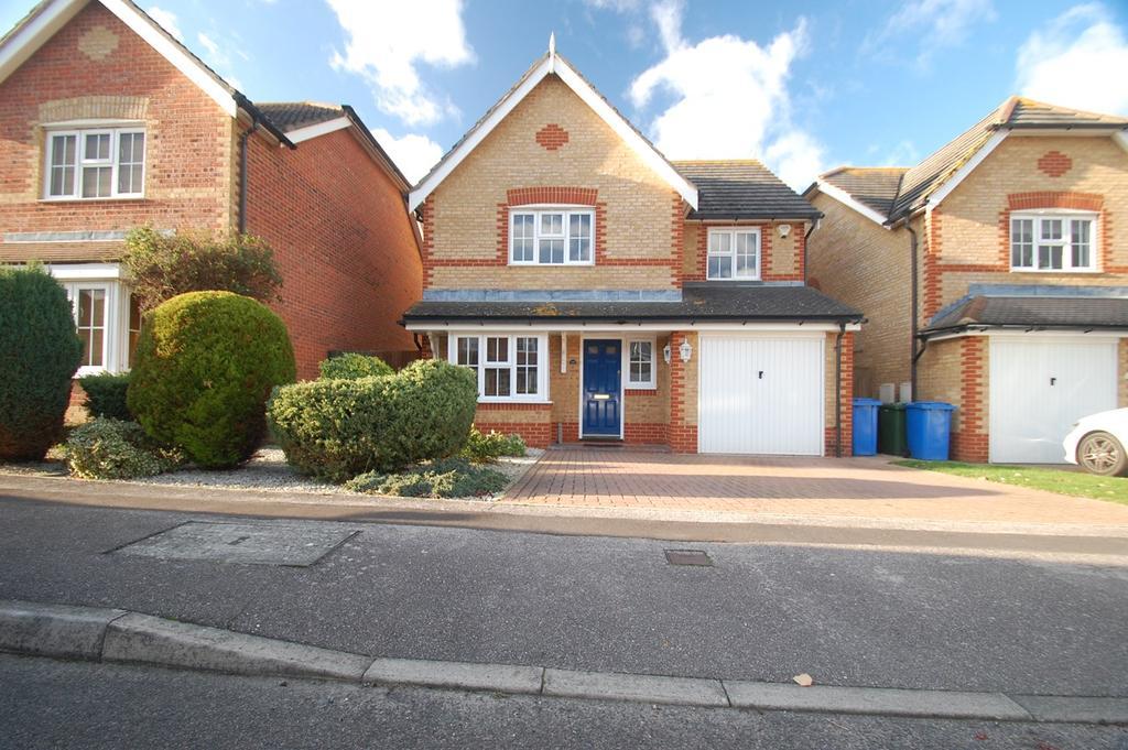 4 Bedrooms Detached House for sale in Grenadier Close, Rainham, Gillingham, ME8