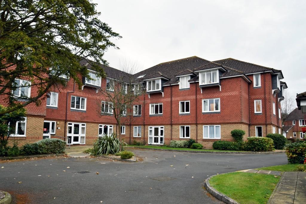 1 Bedroom Retirement Property for sale in Allingham Court, Farncombe