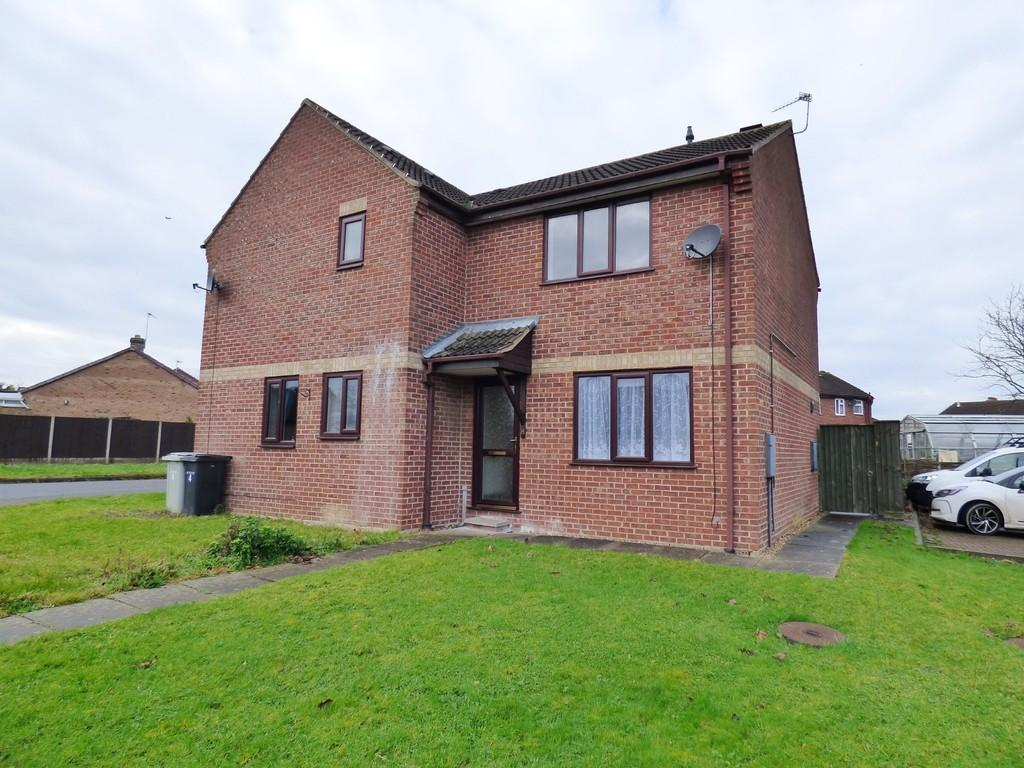 2 Bedrooms Semi Detached House for rent in Burton Court, Louth, LN11 8RJ
