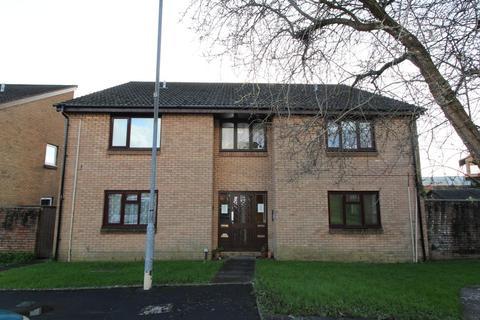 Studio to rent - Limeslade Close, Cardiff