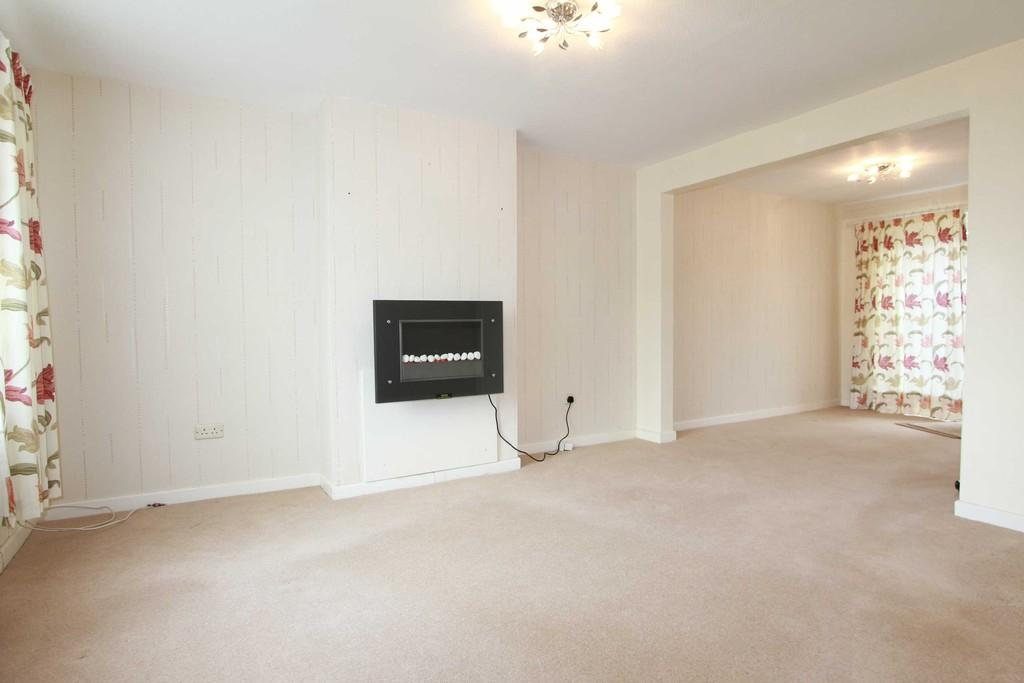 3 Bedrooms Detached House for rent in Swinburne Avenue, Hitchin