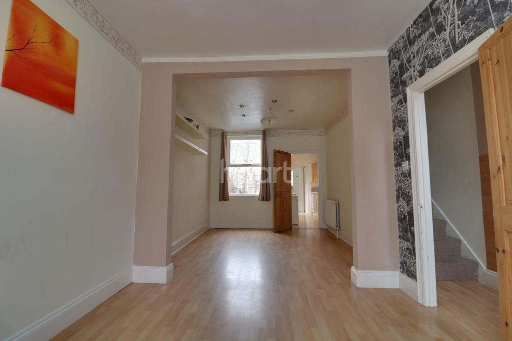 3 Bedrooms Terraced House for sale in Baker Street Northampton