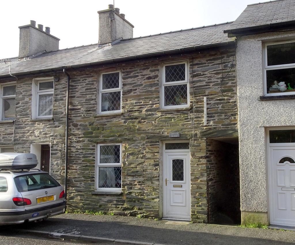 2 Bedrooms Terraced House for sale in Rhiwbryfdir, Blaenau Ffestiniog LL41