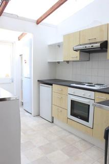 5 bedroom terraced house to rent - St Helens Road, BRIGHTON BN2
