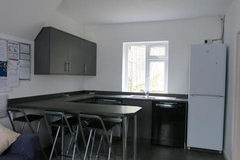 5 bedroom semi-detached house to rent - Colbourne Avenue, BRIGHTON BN2