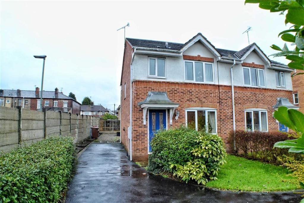 3 Bedrooms Semi Detached House for sale in Millwood Close, Blackburn