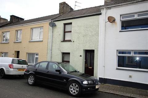 2 bedroom terraced house for sale - Queen Street, Pembroke Dock