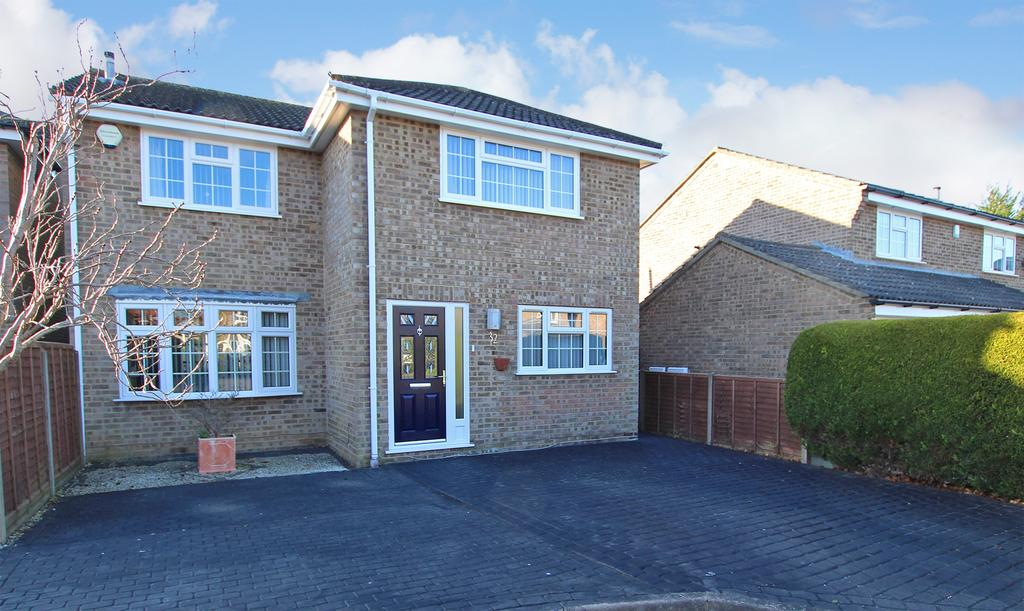 4 Bedrooms Detached House for sale in BLACKFIELD