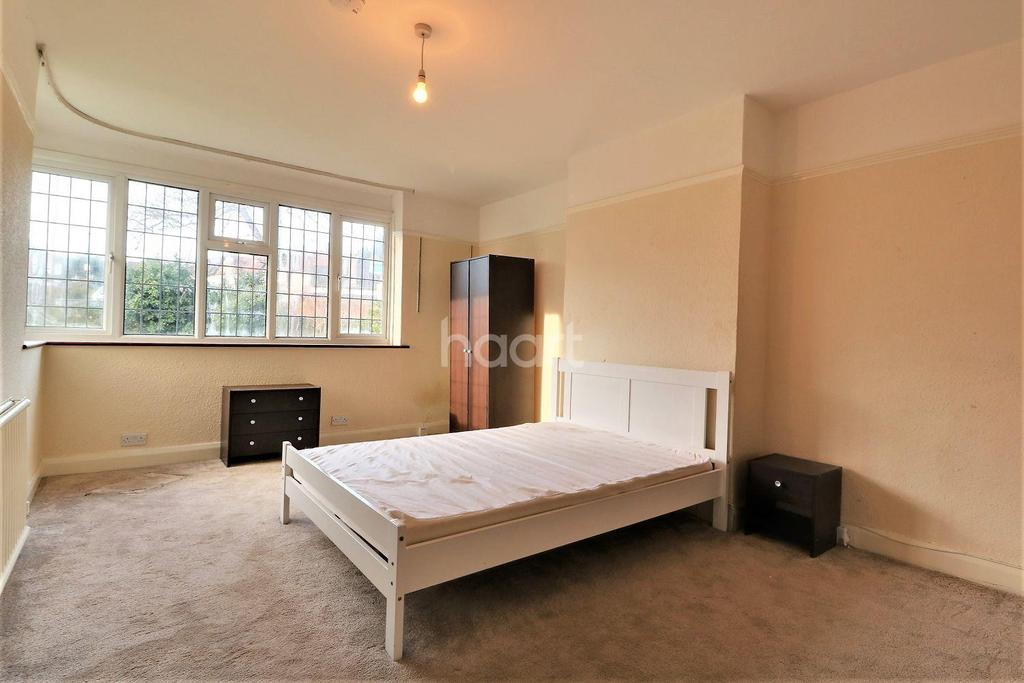 5 Bedrooms Semi Detached House for sale in Burnt Ash Lane, Bromley