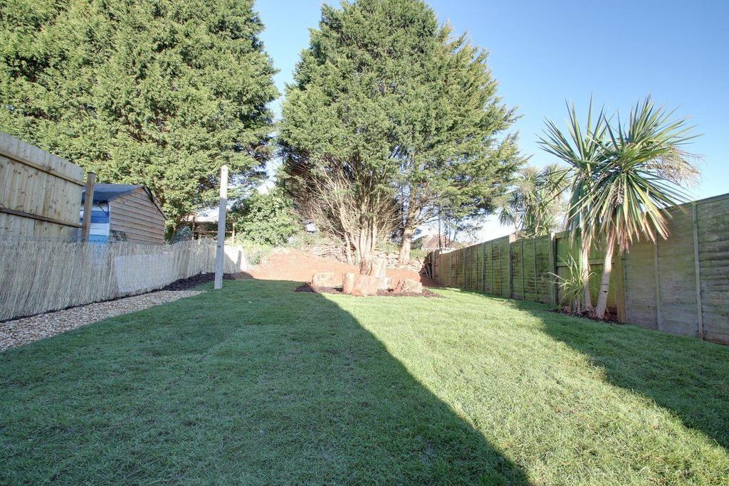 3 Bedrooms Semi Detached House for sale in Salisbury Avenue, Torquay