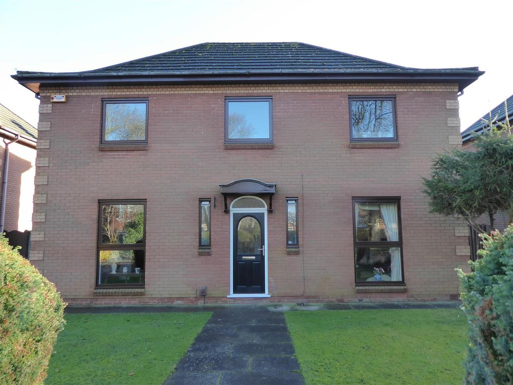 4 Bedrooms Detached House for sale in 4 The Spinney, Grimsby