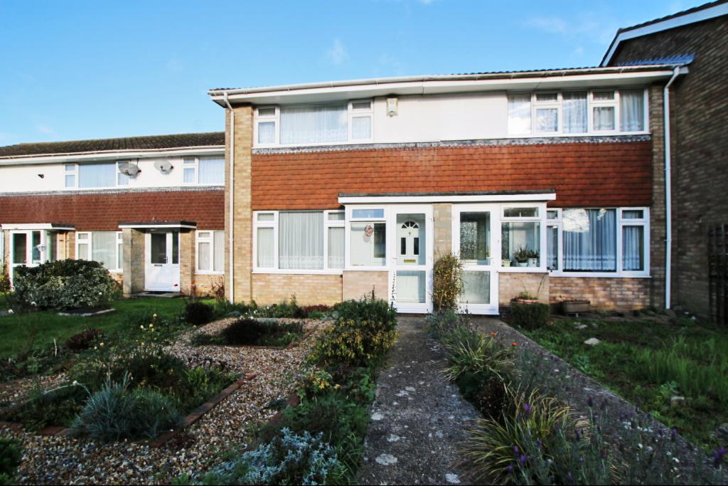 2 Bedrooms Terraced House for sale in Farne Close, Hailsham BN27