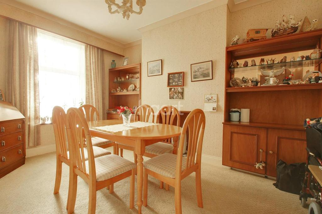 4 Bedrooms Terraced House for sale in Westbourne Road, Torquay