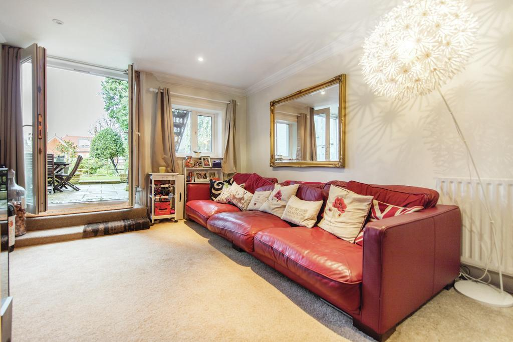 2 Bedrooms Flat for sale in West Hill, SW15