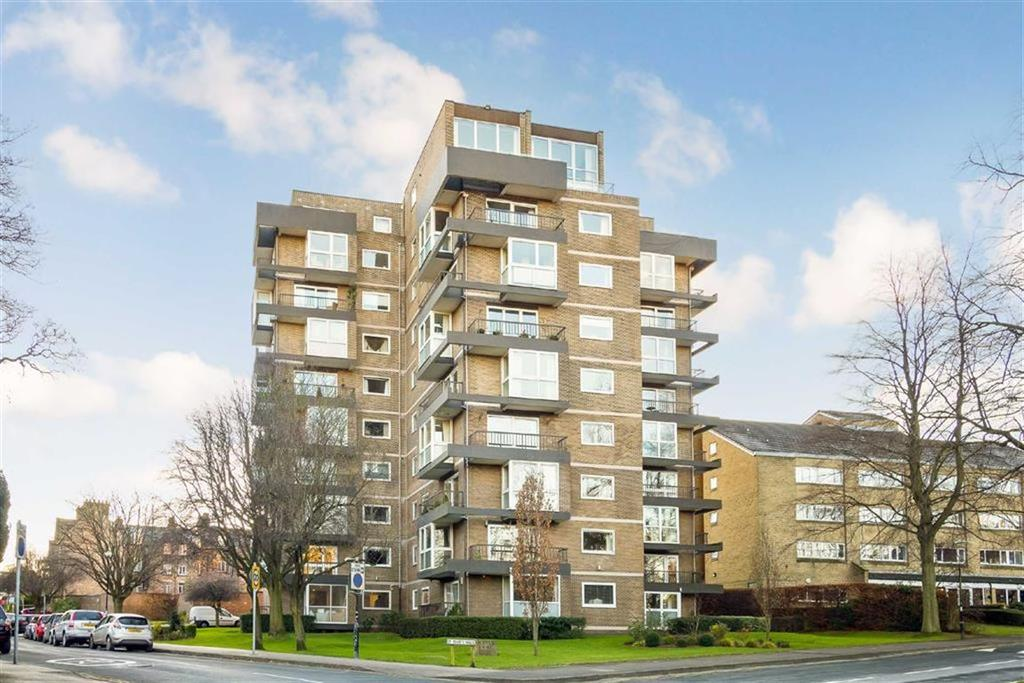 3 Bedrooms Apartment Flat for sale in St. Marys Walk, Harrogate, North Yorkshire