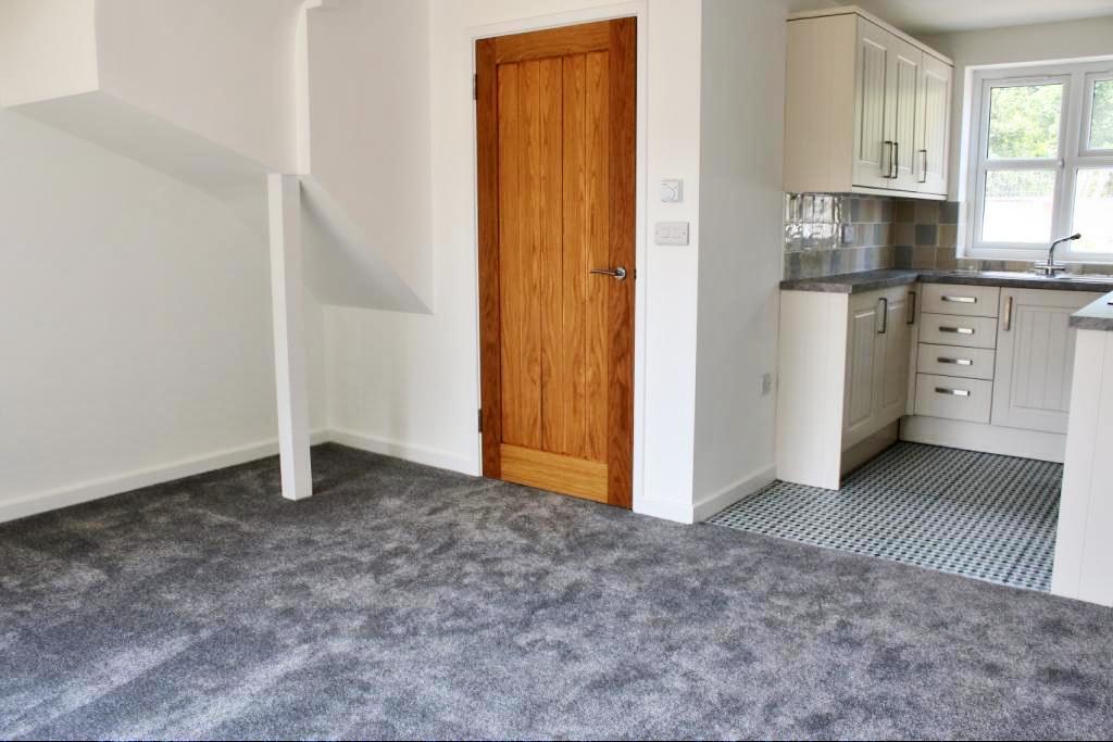 2 Bedrooms Terraced House for sale in Sussex Terrace, Upper Horsebridge, Hailsham BN27