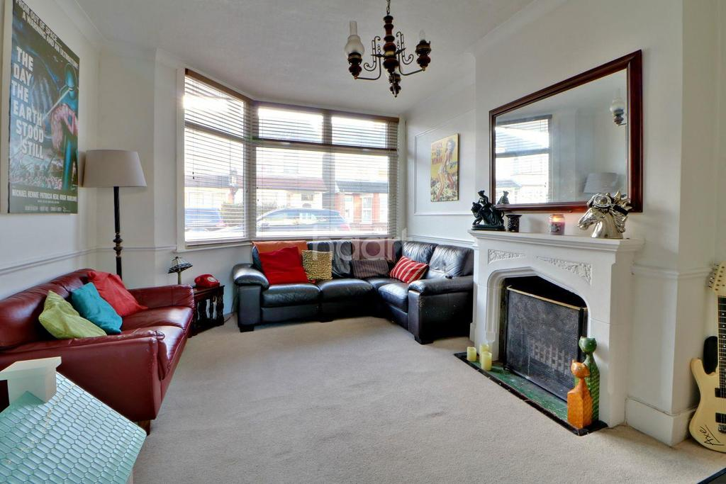2 Bedrooms Terraced House for sale in Trinity Road, Southend On Sea
