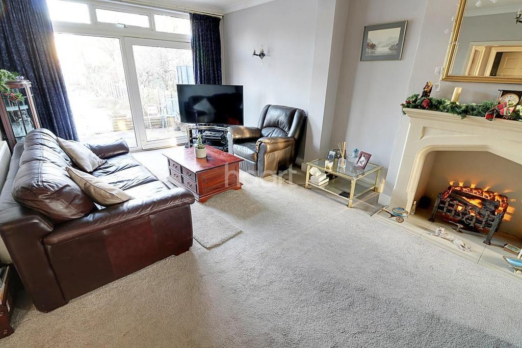3 Bedrooms Terraced House for sale in Haigville Gardens, Barkingside