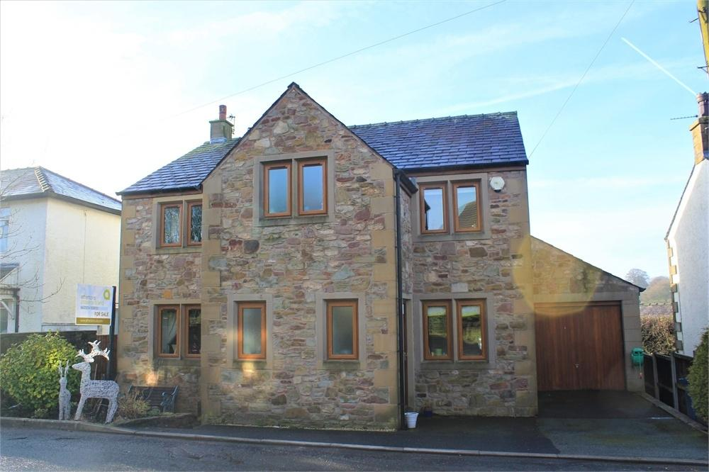 4 Bedrooms Detached House for sale in Avenue Road, Hurst Green, Clitheroe, Lancashire
