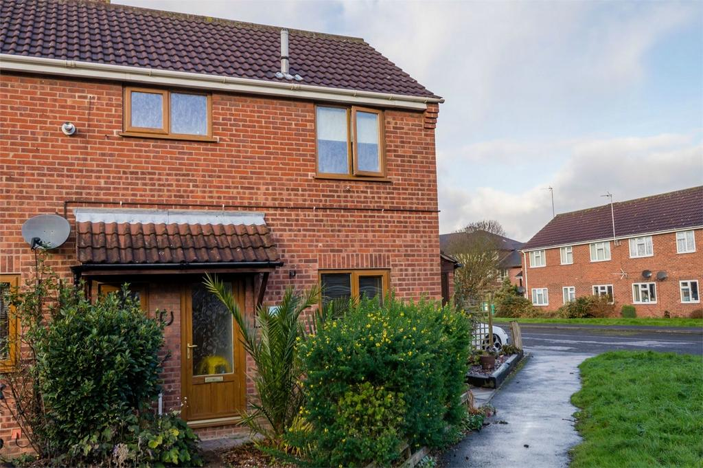3 Bedrooms Semi Detached House for sale in 2 Westbourne Gardens, SELBY, North Yorkshire