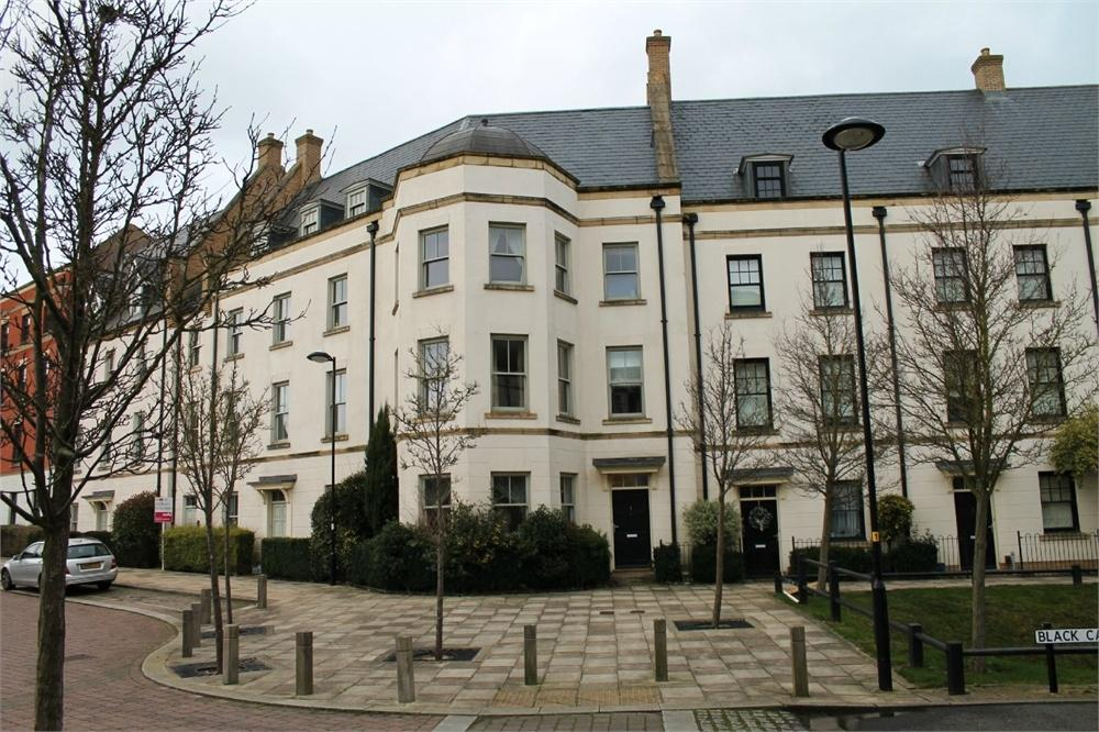 4 Bedrooms Town House for sale in NORTHAMPTON