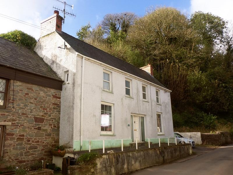 3 Bedrooms Semi Detached House for sale in Water Street, Laugharne, Carmarthen, Carmarthenshire