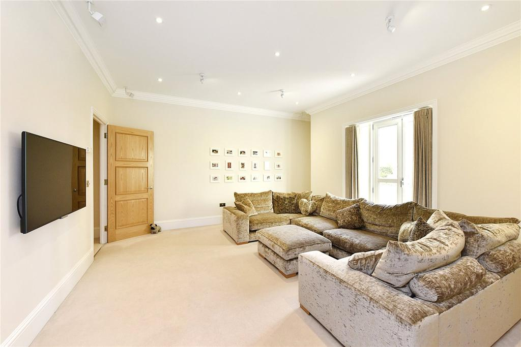 2 Bedrooms Flat for sale in Eaton House, 38 Westferry Circus, London