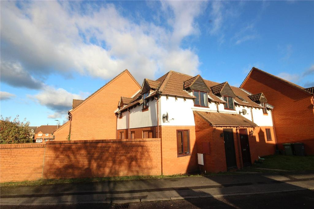 2 Bedrooms Terraced House for rent in Oaktree Crescent, Bradley Stoke, Bristol, BS32