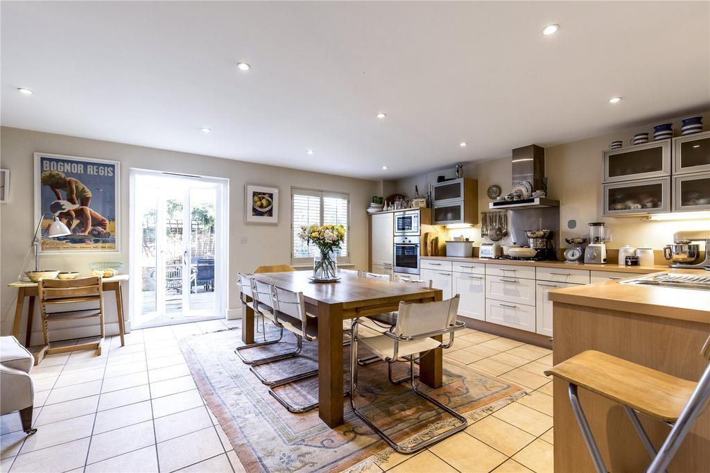 St Agnes Place Chichester West Sussex 4 Bed Terraced